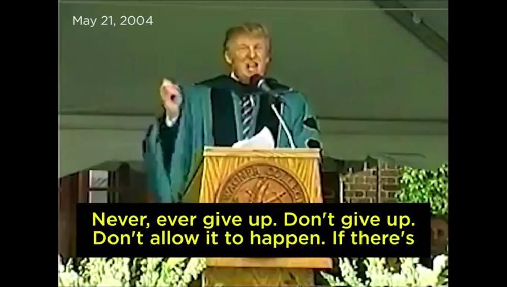 """El discurso de Trump en 2004 que contradice al propio Trump: """"Si veis un muro, atravesadlo, id al otro lado. Nunca os rindáis"""""""