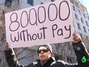 En casa sin cobrar o trabajando gratis: la lamentable situación de casi un millón de funcionarios por el cierre del Gobierno de Trump