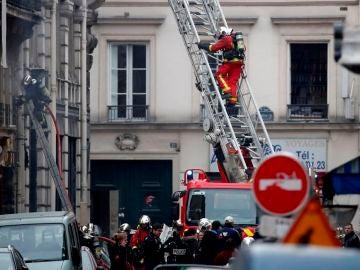 Dispositivo de los Bomberos tras una explosión en París