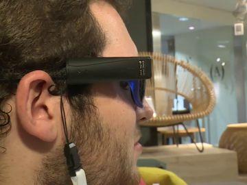 Imagen de las gafas con cámara para ciegos