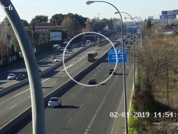 Imagen del bus-VAO que circuló en dirección contraria por Madrid