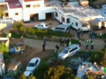 Imagen del lugar donde han detenido a 28 miembros de una organización dedicada al tráfico de drogas