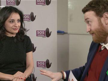 Paula Guerra, presidente de SOS Racismo en Madrid con Burque