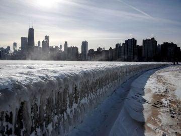 Lago helado en Michigan
