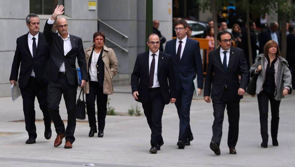 Joaquim Forn, Raül Romeva, Dolors Bassa, Jordi Turull, Carles Mundó, Josep Rull y Meritxell Borràs, el año pasado a su llegada al Supremo.