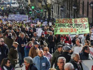 Jubilados protestan en Madrid contra la norma sobre pensiones
