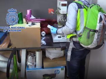 La Policía Nacional registra el laboratorio