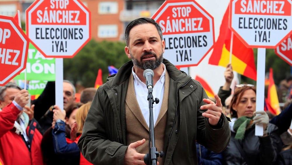 Santiago Abascal en la manifestación contra Pedro Sánchez