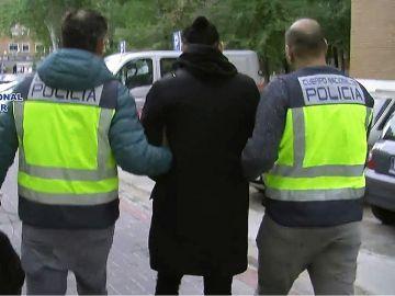 Detenido por difundir vídeos sexuales en webs pornográficas