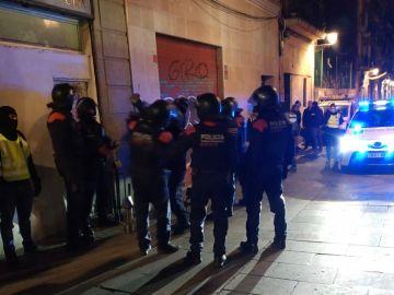 Los Mossos d'Esquadra han irrumpido en cuatro narcopisos