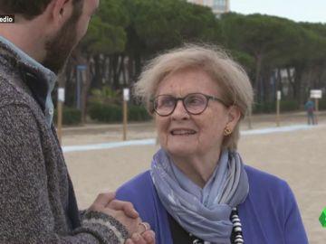 """Viaja a Francia para """"honrar y recordar"""" a sus padres republicanos: """"España se ha portado fatal con los exiliados"""""""