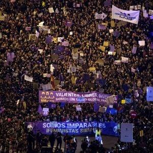 Vista general tomada desde la azotea del Círculo de Bellas Artes de la marcha feminista