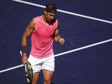 Rafa Nadal celebra un punto ante Diego Schwartzman