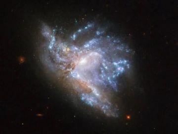 Imagen de la NGC 6052 tomada por el telescopio espacial Hubble