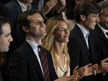 Pablo Casado junto a Cayetana Álvarez de Toledo, Pablo Montesinos y Juan José Cortés