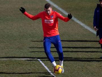 Lucas Hernández vuelve a los entrenamientos