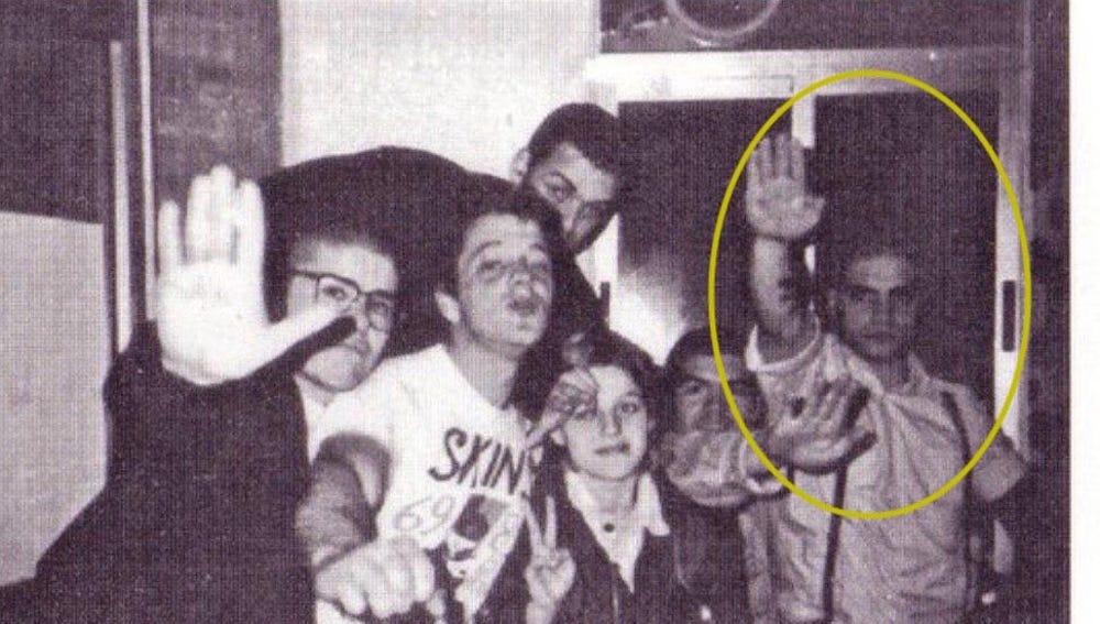 Ignacio Vega Peinado, miembro de VOX Toledo, haciendo el saludo nazi