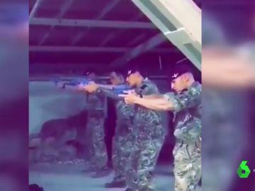 Jeremy Corbyn pide que se identifique a los militares que dispararon a su retrato