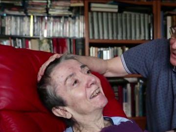 Ángel Hernández y su mujer, Maria José Carrasco, a la que ayudó a morir