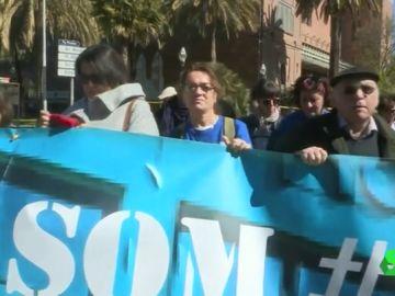Protesta en defensa de la sanidad y los servicios públicos en Cataluña