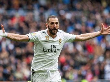 Karim Benzema celebra un gol ante el Athletic