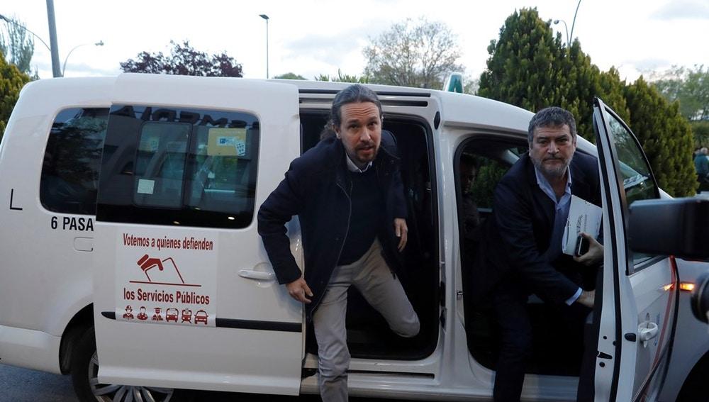 Pablo Iglesias llegando al debate de Atresmedia