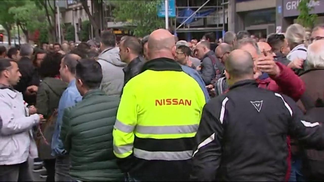 Trabajadores de Nissan Barcelona se concentran ante la Conselleria de Trabajo