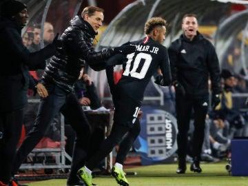 Tuchel felicita a Neymar tras un gol
