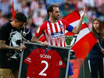 Diego Godín, homenajeado