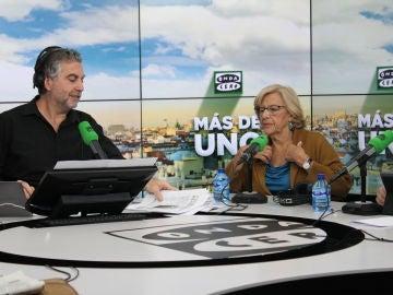 Manuela Carmena con Carlos Alsina en Más de uno