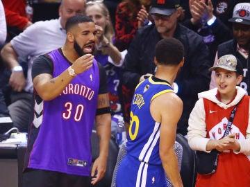 Drake increpa a Curry durante las Finales