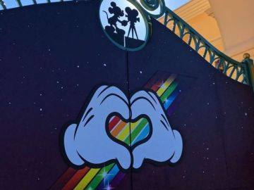 Disneyland París organiza una jornada lleva de actividades con motivo del Día Internacional del Orgullo LGTBI.