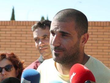 Carlos Aranda atiende a los medios de comunicación
