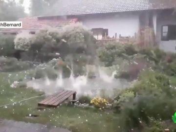 Varios heridos tras una bestial tormenta de granizo en el sur de Alemania