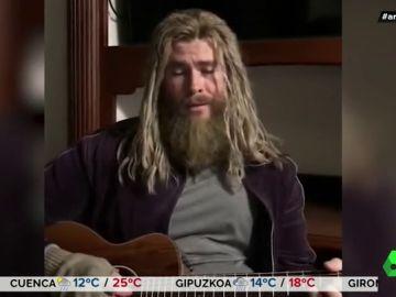Un irreconocible Chris Hemsworth