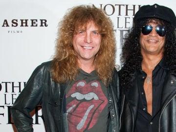 Steven Adler (izquierda) junto a Slash (derecha), miembros de Guns N 'Roses