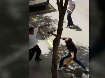 Dos heridos y tres detenidos tras una pelea a machetazos en L'Hospitalet