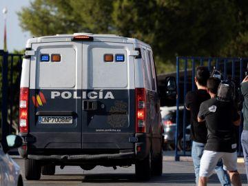 El furgón de Policía que trasladó a La Manada de los sanfermines al centro penitenciario de Sevilla