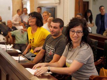 Los tres concejales de la CUP de Reus juran la Constitución en tono irónico