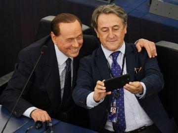 El posado de Hermann Tertsch con Silvio Berlusconi