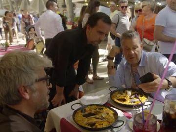 """El enfado de Chicote al destapar el fraude de la comida para turistas: """"Tengo la sensación de que me tomas por imbécil"""""""