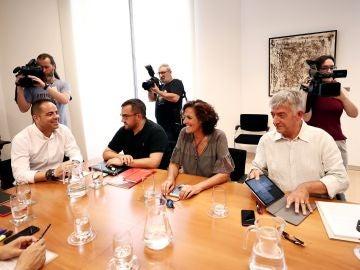 Los portavoces del PSN, Podemos, Geroa Bai e Izquierda-Ezkerra mantienen una reunión.