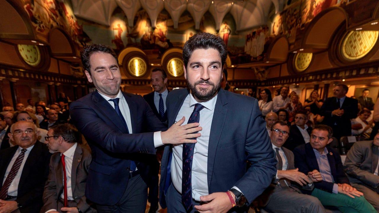 Fernando López Miras junto al secretario general del PP, Teodoro García Egea