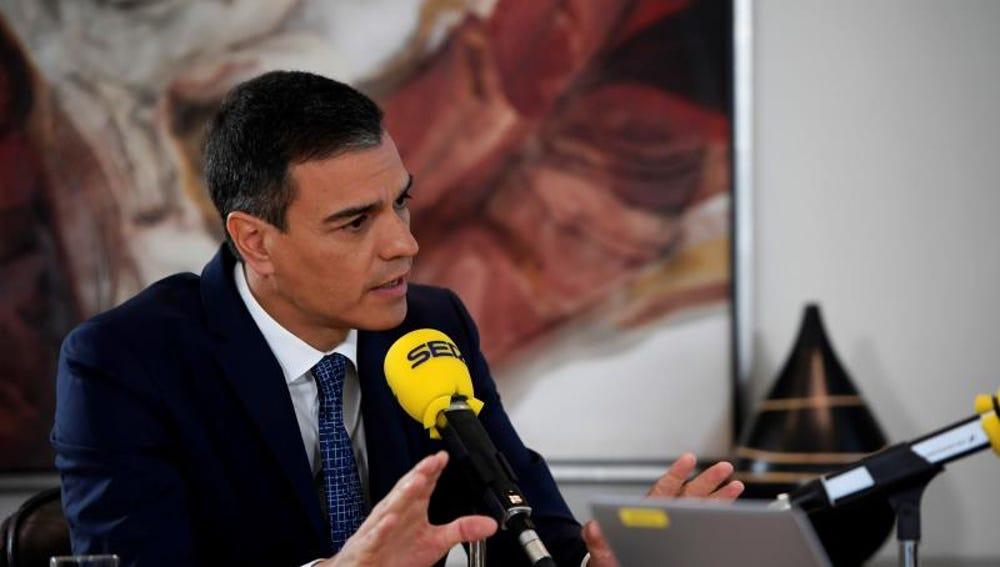 El presidente del Gobierno en funciones, Pedro Sánchez, durante su entrevista en la Cadena SER