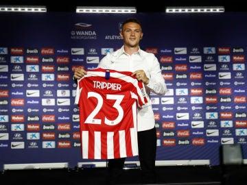 Trippier, con el 23 del Atlético
