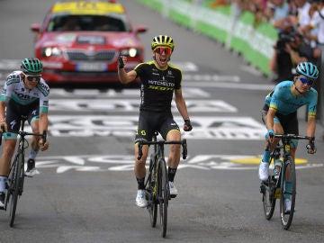 Simon Yates, tras ganar la duodécima etapa del Tour de Francia