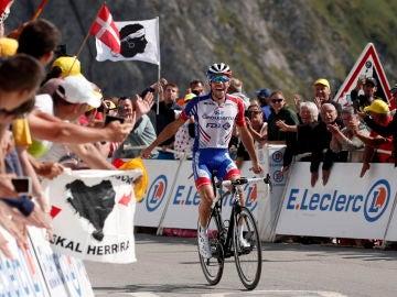 Thibaut Pinot gana la etapa en el Tourmalet