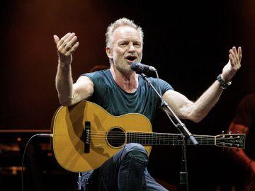El cantante y compositor británico Gordon Sumner Sting durante su actuación en el Festival Cap Roig