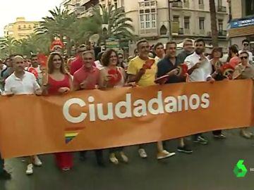 """Ciudadanos opta por marcharse del Orgullo LGTBI de Alicante tras ser abucheados al grito de """"traidores"""""""