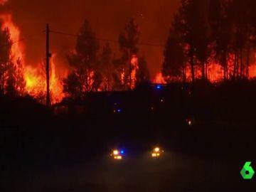 Lucha sin descanso contra el incendio en Portugal: el 90% de llamas están controladas pero el viento complica su extinción